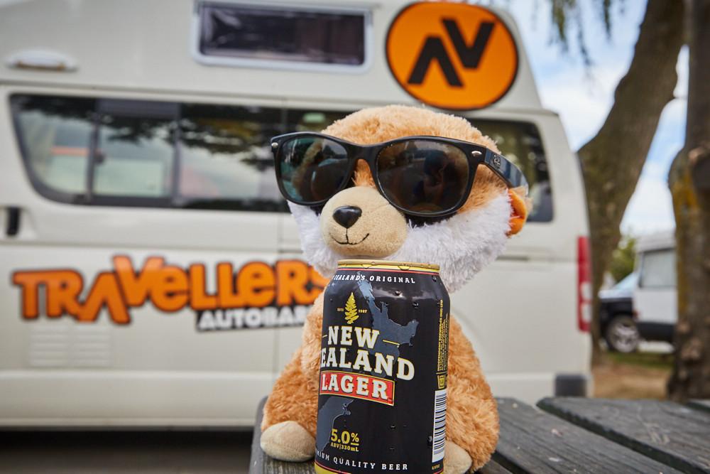 Ed, Educto, das Erdmännchen, das Erdmaennchen, feiern, Feierabendbier, Bier, Neuseeland, New Zealand, Lager, beer, celebration, Abschied